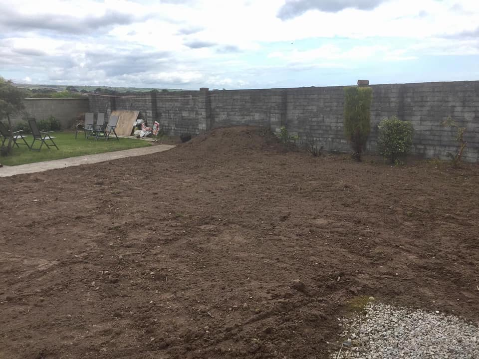 Levelled Garden, Brown Clay, Re-Seeded. Eoin O'Keeffe Architects
